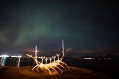Reykjavik in de avond